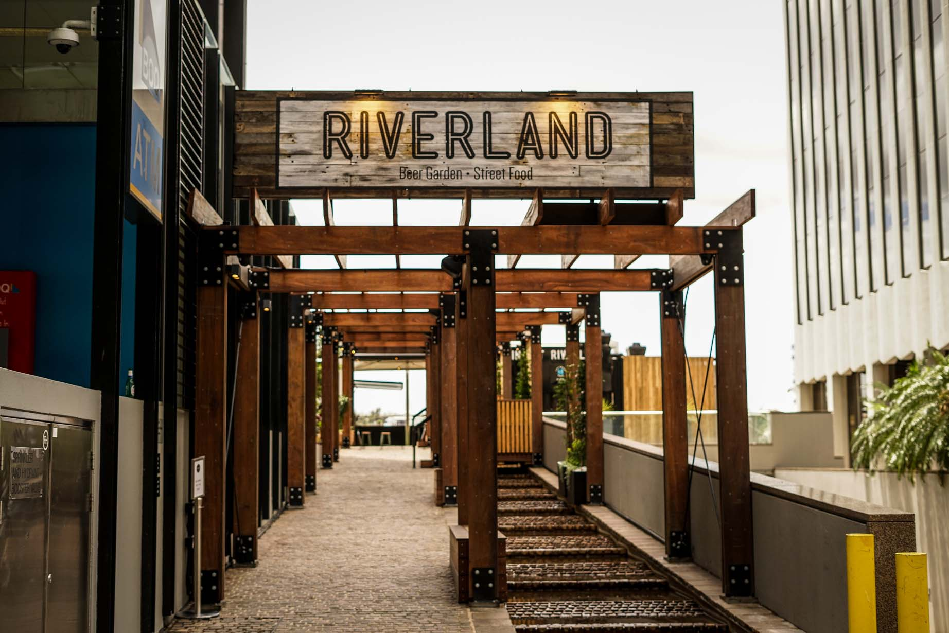 Winner 2018 HIA-CSR Queensland Interior Design Awards – Riverland Brisbane